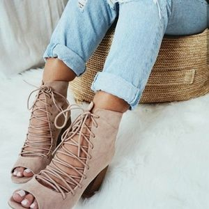 🆕//The Beau// Nude Lace up Bootie